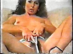 Italian MILF showing her hairy pussy in vintage amateur video