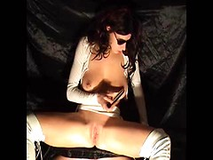 Hot amateur fetish scene with kinky mature in white boots