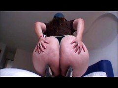Latina mommy Paula shows her huge ass